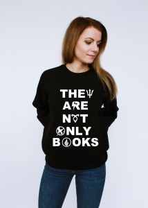 Bluza THEY ARE NOT ONLY BOOKS książki