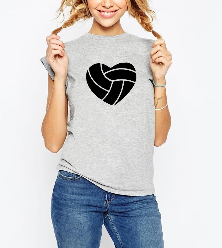 bd5a67ae7a736a ... Modna damska koszulka siatkarka z nadrukiem piłka siatkówka serce -  pomysł na prezent dla fanki siatkówki ...